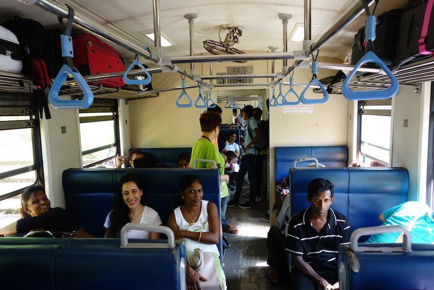 Viajando en 3ª clase en Sri Lanka