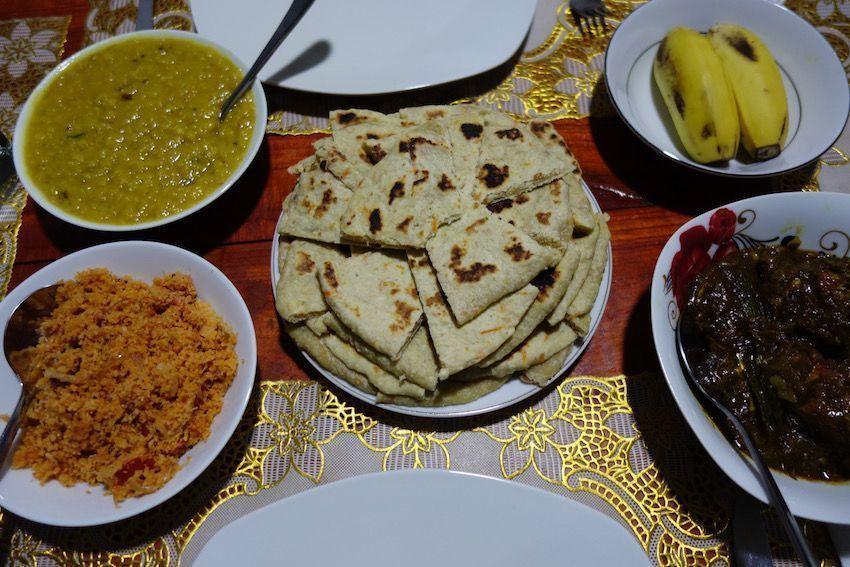 Coconut Roti - Pan típico de Sri Lanka acompañado de Dhal y Sambol