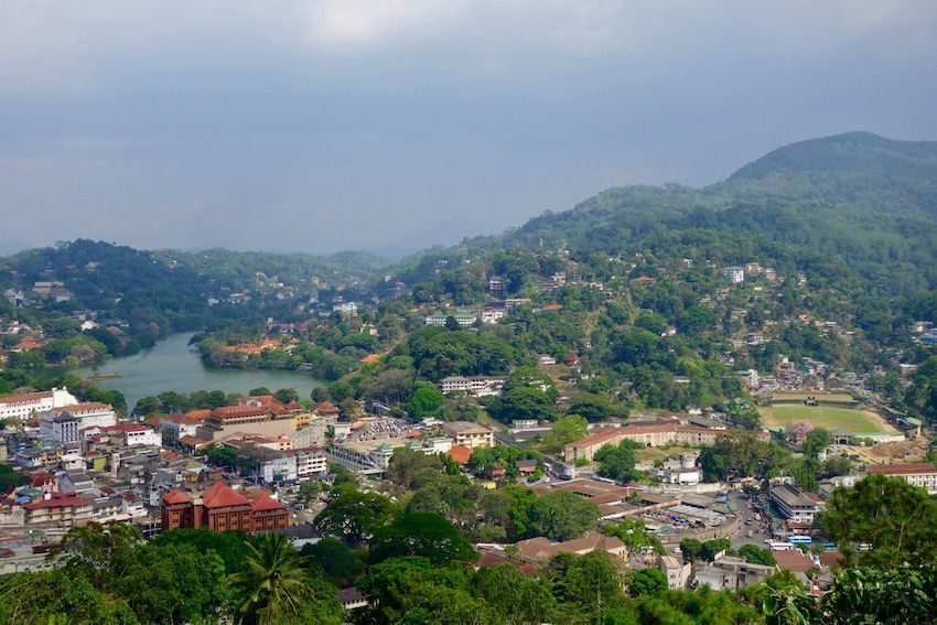Vistas de Kandy desde el Buda