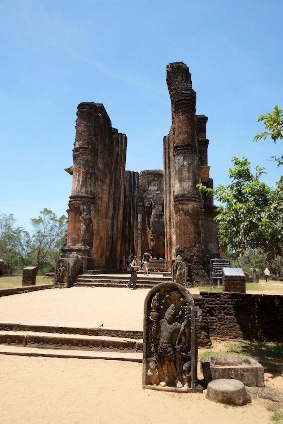 Lankatilaka Vihara - Polonnaruwa