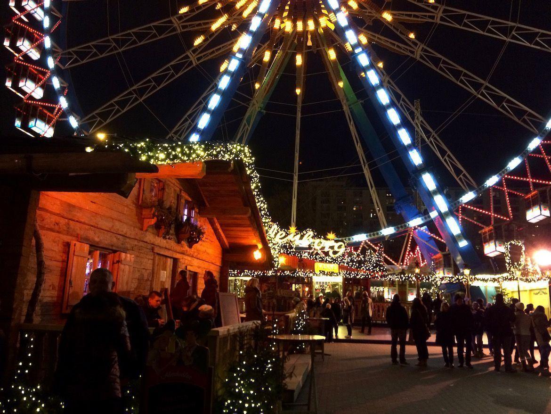 Mercado de Navidad en la plaza del Ayuntamiento